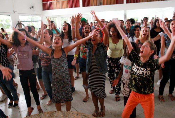 Acampamento GEADSA promove comunhão e lazer a centenas de adolescentes